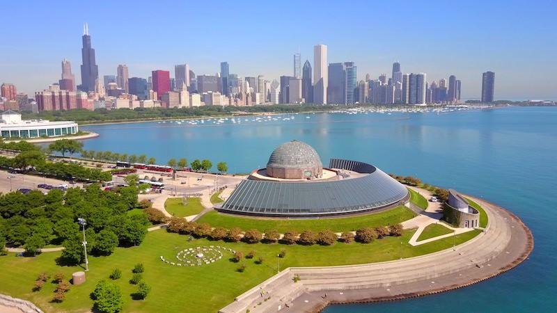 Grant Park em Chicago: Adler Planetarium