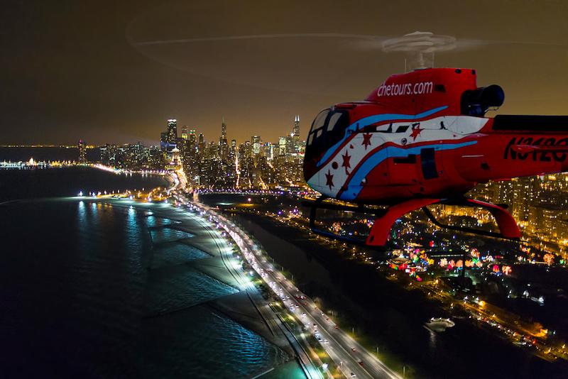 Passeio noturno de helicóptero em Chicago