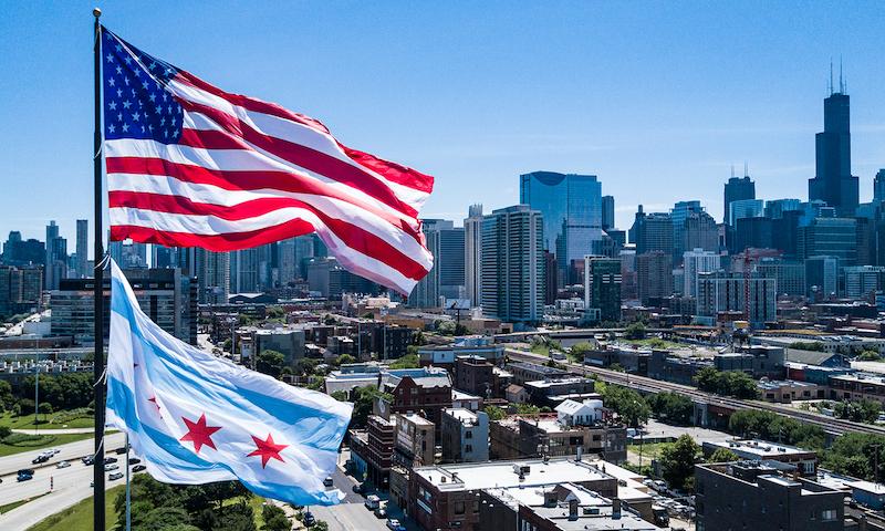 Bandeiras dos Estados Unidos e de Chicago
