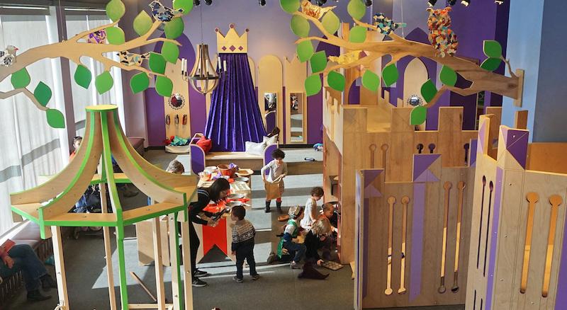 Crianças no Children's Museum em Chicago