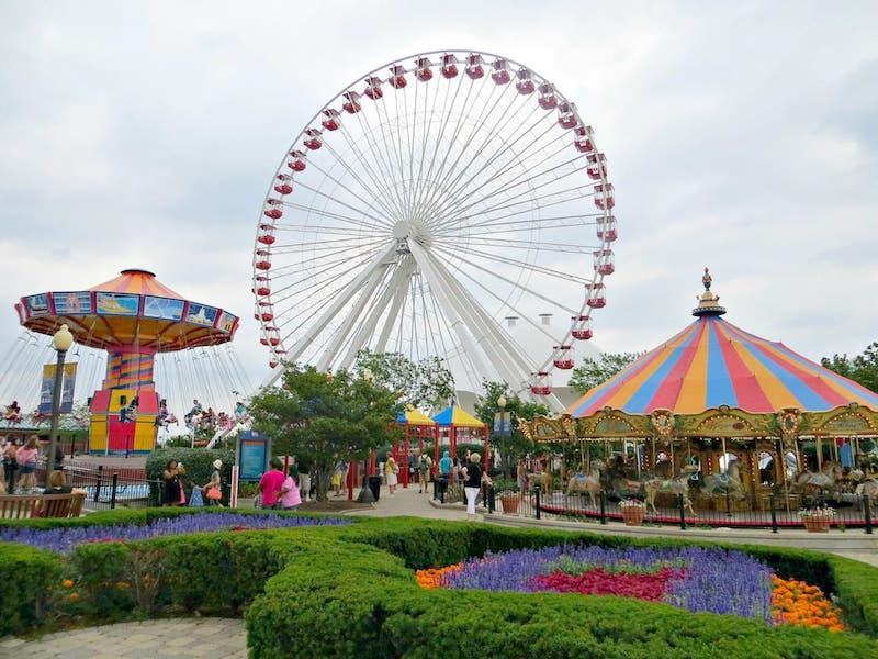 Parque de diversões no Navy Pier em Chicago