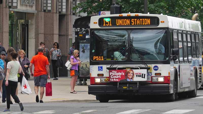 Ponto de ônibus em Chicago