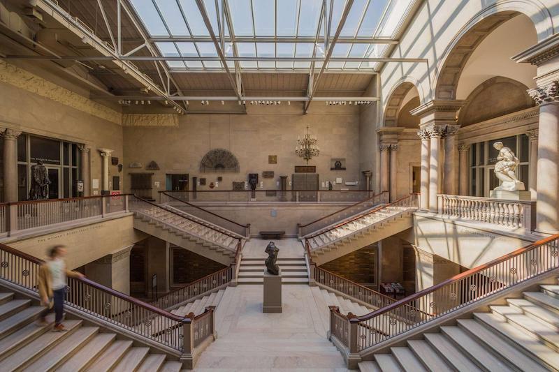 Interior do Art Institute of Chicago
