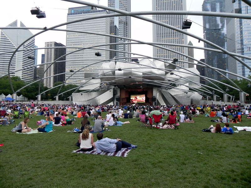 O que fazer no verão em Chicago: Millennium Park Summer Film Series