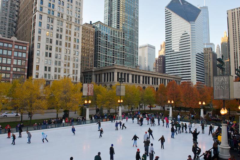 O que fazer no inverno em Chicago: patinação no gelo no Millennium Park