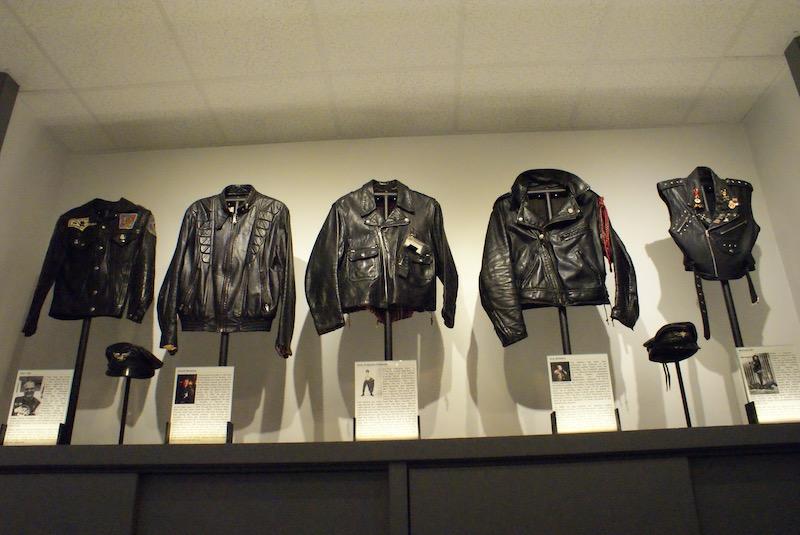 Lugares LGBTI em Chicago: exposição no Leather Archives & Museum