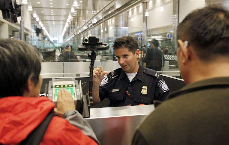 Alfândega em Chicago e nos Estados Unidos: guichê de imigração e alfândega