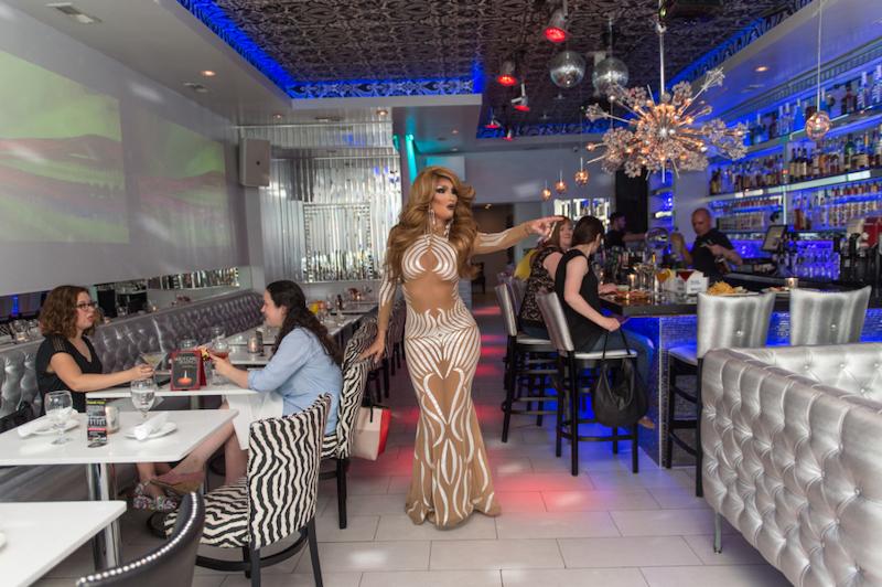 Lugares LGBTI em Chicago: Kit Kat Lounge & Supper Club