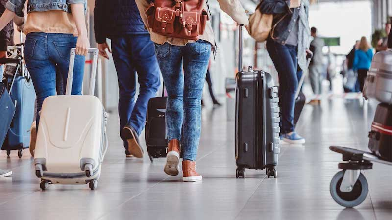 Alfândega em Chicago e nos Estados Unidos: passageiros com bagagens