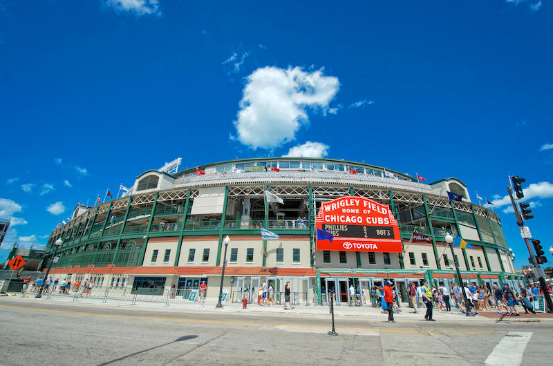 Entrada do estádio Wrigley Field em Chicago