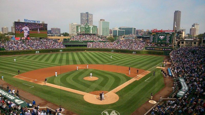 Partida de beisebol do Chicago Cubs no Wrigley Field em Chicago
