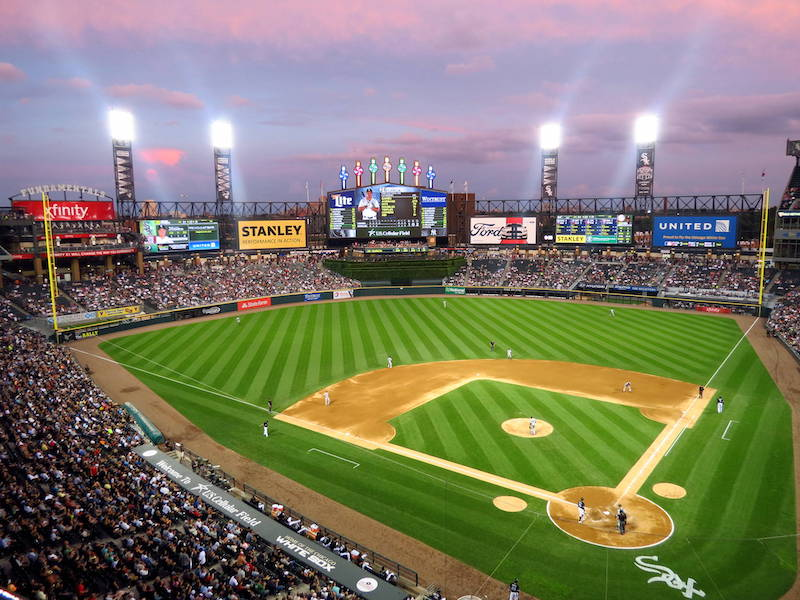 Partida de beisebol do Chicago White Sox no Guaranteed Rate Field em Chicago