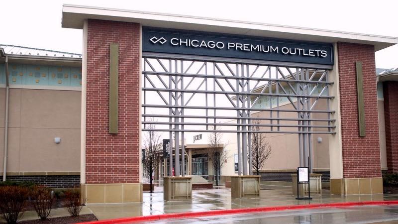 Entrada do Premium Outlets em Chicago