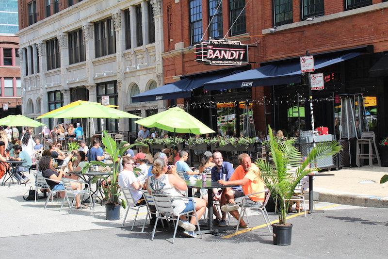 Fachada do restaurante Bandit em Chicago