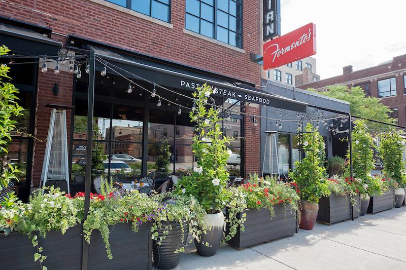 Fachada do restaurante Formento's em Chicago