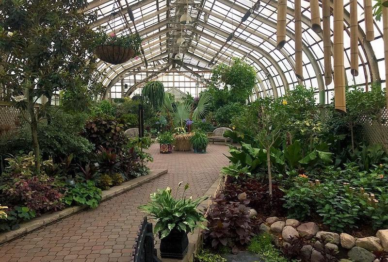 Interior do Lincoln Park Conservatory em Chicago