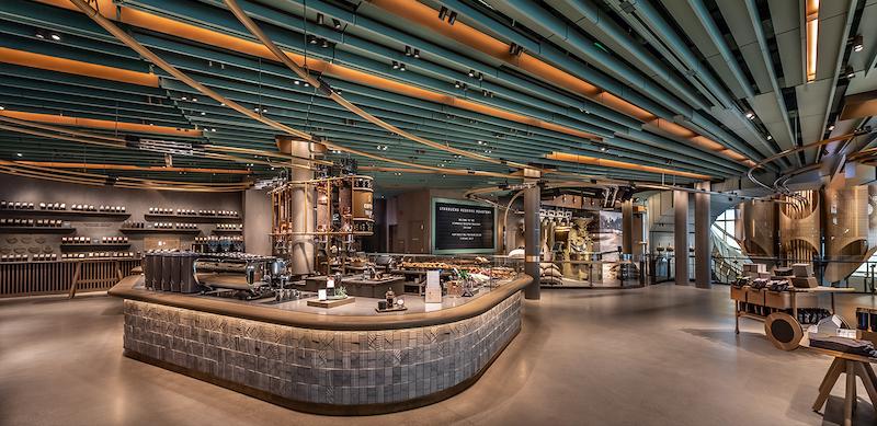 Interior da Starbucks Reserve Roastery em Chicago