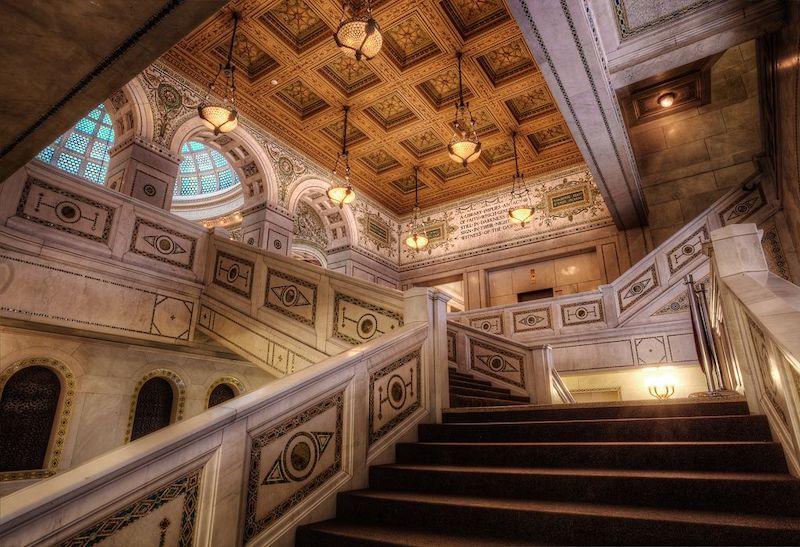 Escada do Chicago Cultural Center