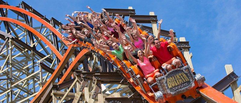 Montanha-russa do parque Six Flags Great America