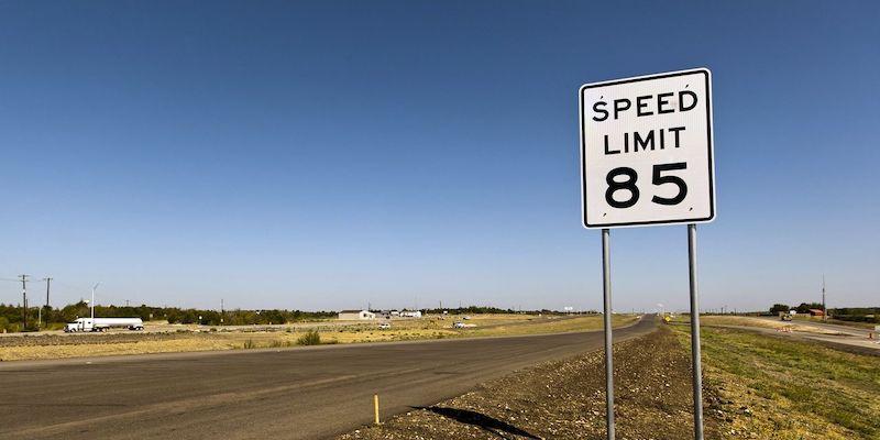 Placa de limite de velocidade